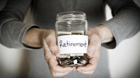 Si guardas lo que ahorras en copas en un fin de semana, tu jubilación lo notará